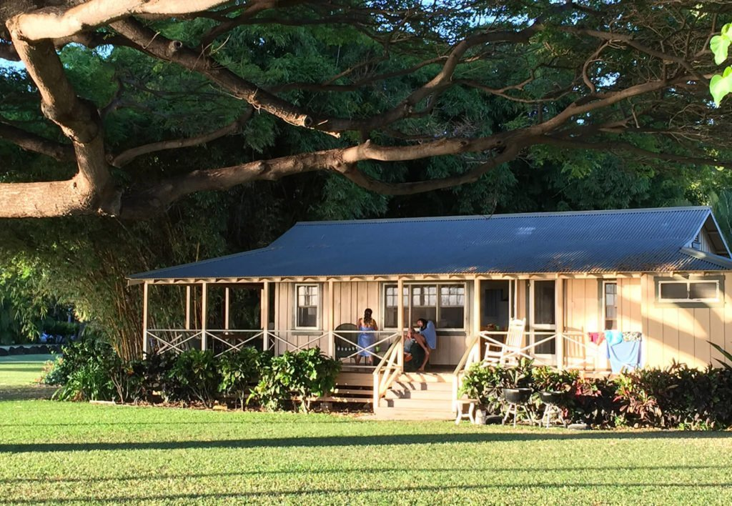 Sweet Hawaiian plantation cottage in Waimea, Kauai