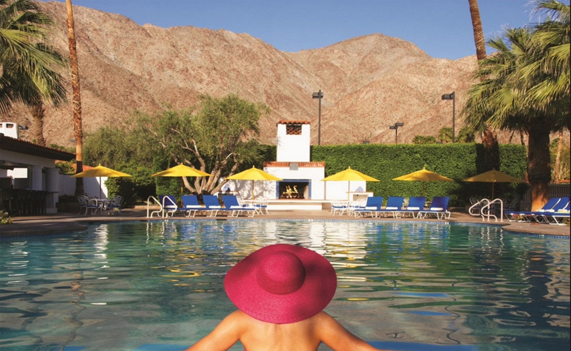 The spa pool at La Quinta is delicious. And no, that is not me in the pink hat, silly. I look better in blue.