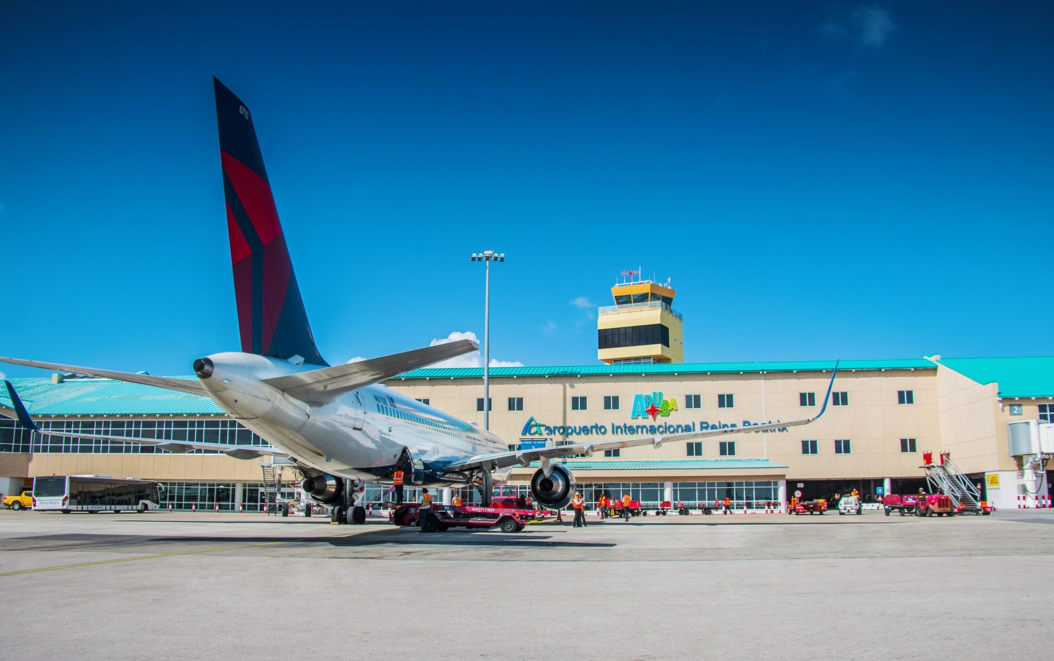Delta Airlines at Aruba airport