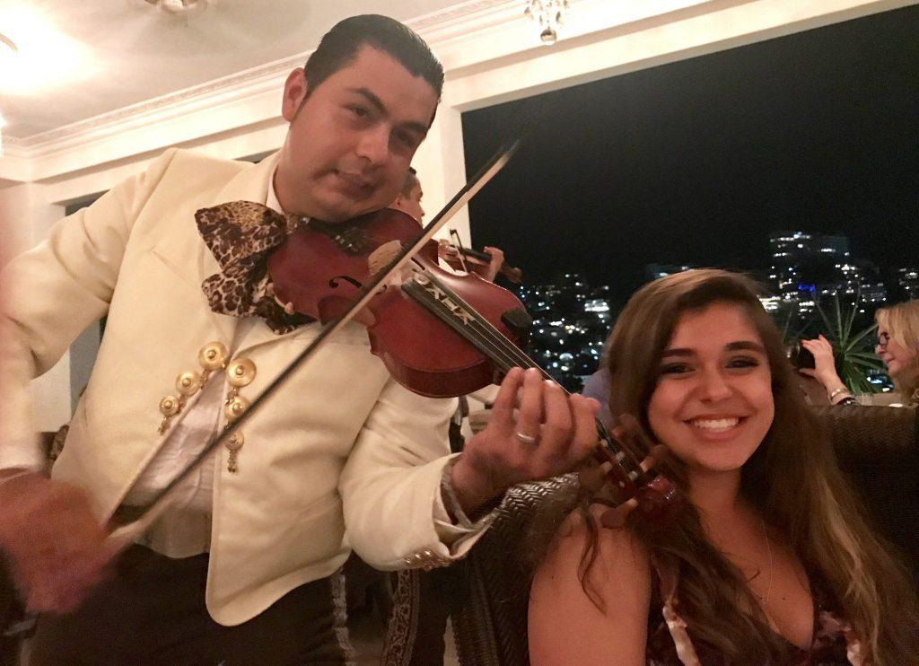 mariachi violinist Casa Kimberly Iguana Restaurant