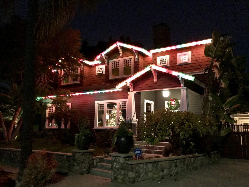 Craftsman house with Christmas lights