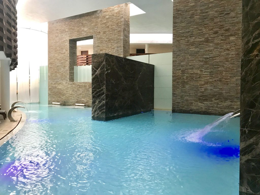 hydrotherapy pool at Se Spa Riviera Maya