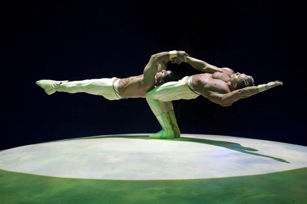 Mystère Cirque de Soleil Las Vegas balance act