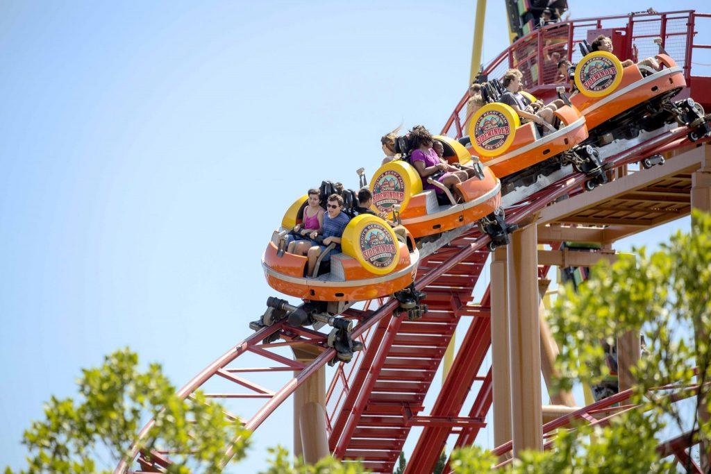 Sierra Sidewinder rollercoaster Knott's Berry Farm