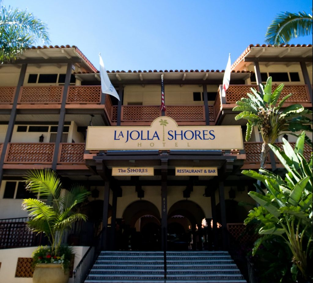 La Jolla Shores Hotel entrance