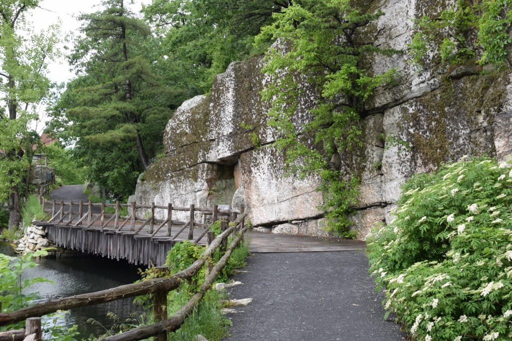scenic waking path at Mohonk Mountain House, New York