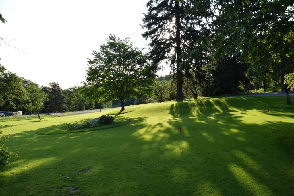 practice green at Mohonk Mountain House golf course