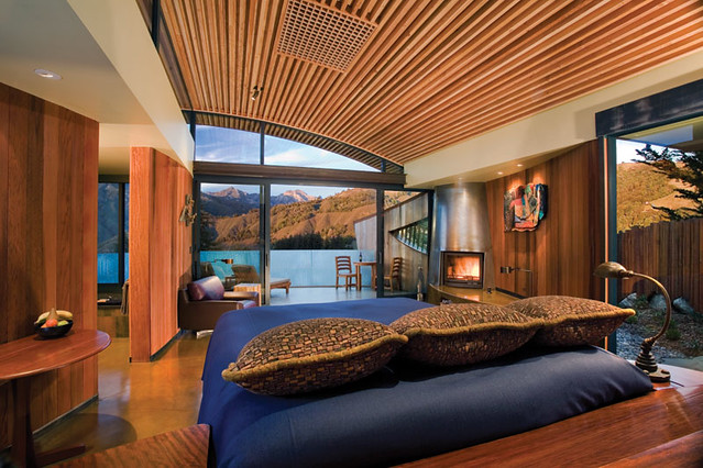 Overlooking the rocky coast of Central California sits Post Ranch Inn in Big Sur
