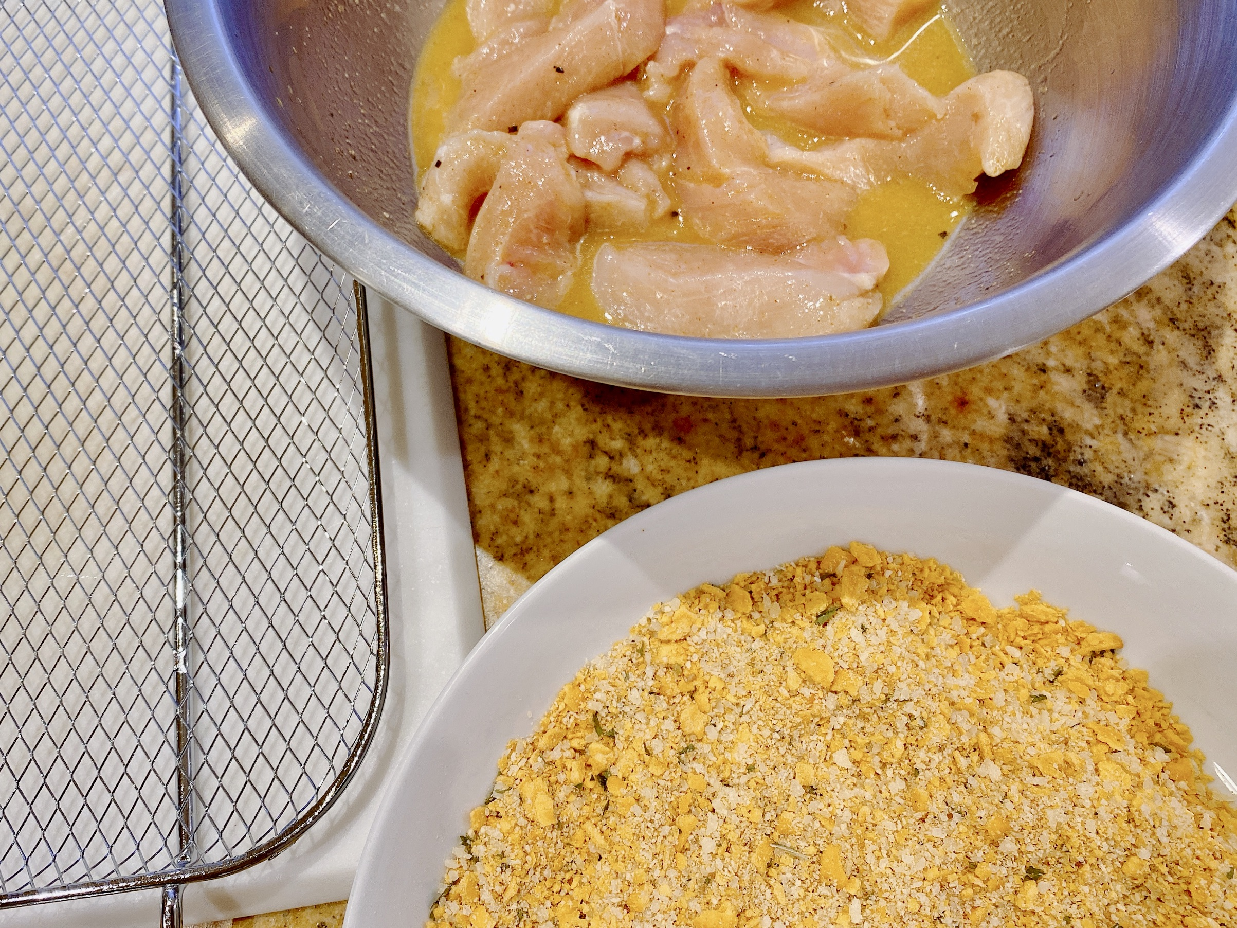Ingredients to prepare crispy chicken tenders recipe